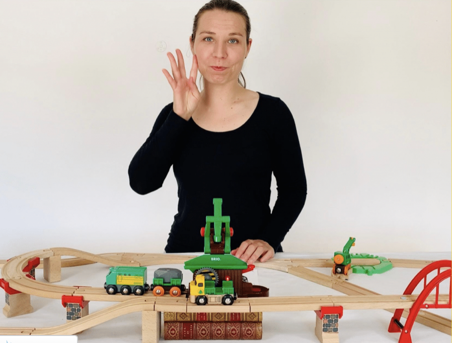 Clara Femmebionique, conférencière sur le handicap
